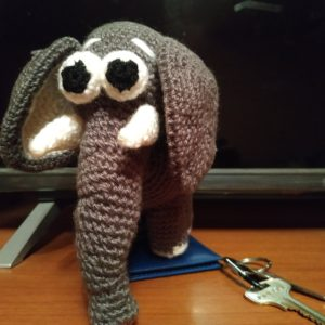 Вязаная мягкая игрушка Слон