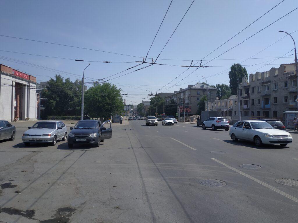 Пробка в саратове на ул орджоникидзе